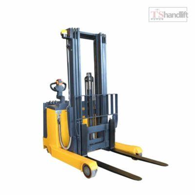 Electric Reach Stacker Xr Series
